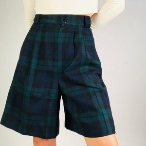☕️[vintage] Tartan Navy Green Plaid Wool Shorts